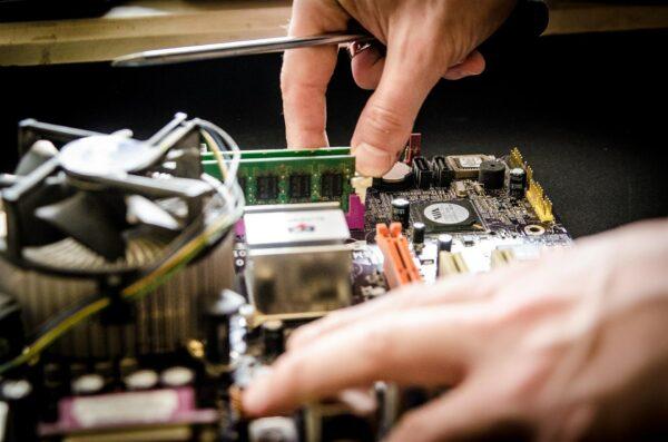 Vad gör en IT tekniker?